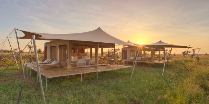 As you admire these images of the finished set-up and canu0027t help but picture yourself slipping into the hot tub on your open yet private deck u2013 lying back ... & 100% Mobile Tented Luxury in the Wild | Freeform Tents